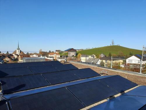 2021 Luegeten AG, Menzingen  Durchschnittliche Stromproduktion 100'700 kWh/Jahr